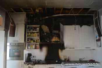 Huis onbewoonbaar na keukenbrand: katten gered, hond in levensgevaar
