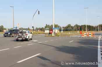 Zware verkeershinder te verwachten: Tractaatweg richting Nederland wellicht weken dicht door lekkende vrachtwagen