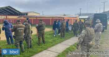 Detienen a 9 personas mientras jugaban fútbol durante cuarentena en Coronel - BioBioChile