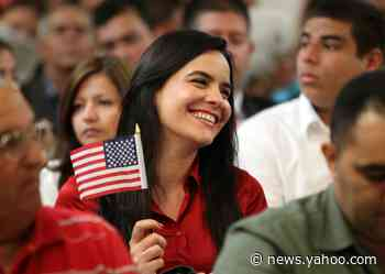 Amid looming fee increases, Miami Citizenship Week strives to boost naturalization