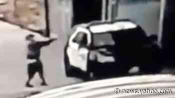 Los Angeles police officers shot in 'ambush'