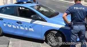 Poliziotti bloccano un'auto a Gaglianico impugnando le pistole - La Provincia di Biella