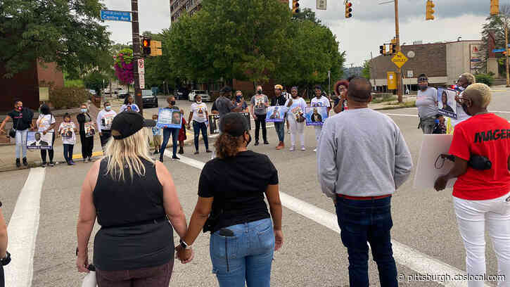 MOMs Group March Through The Hill District, Calling For An End To Violence