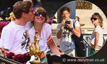 James Norton and girlfriend Imogen Poots kiss as they enjoy a romantic gondola ride in Venice - Daily Mail