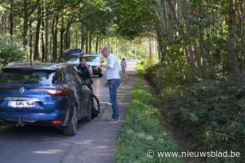 Auto had voorrang moeten verlenen aan wielertoerist bij zwaar ongeval in Koekelare - Het Nieuwsblad