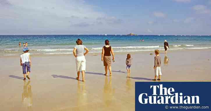 Which countries can UK holidaymakers visit without restrictions?
