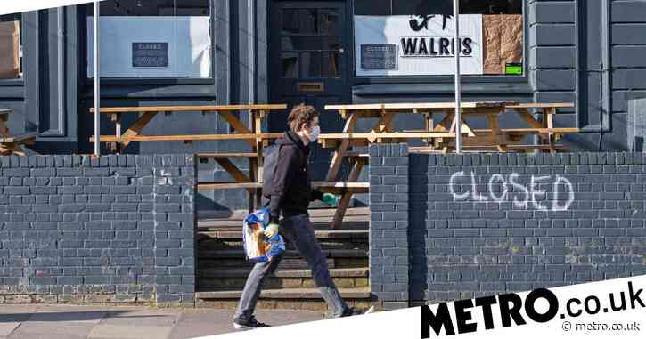 UK faces 10pm curfew and pubs shut 'within two weeks'