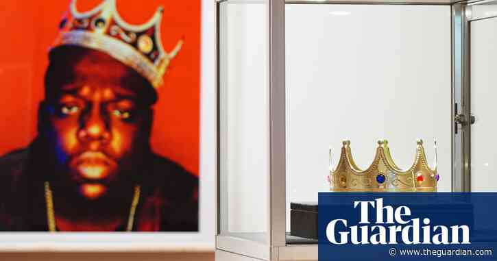 Notorious BIG's $6 crown sells for almost $600,000 at auction
