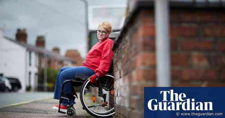 'I feel mentally done in': how the NHS fails people with depression and spinal injuries