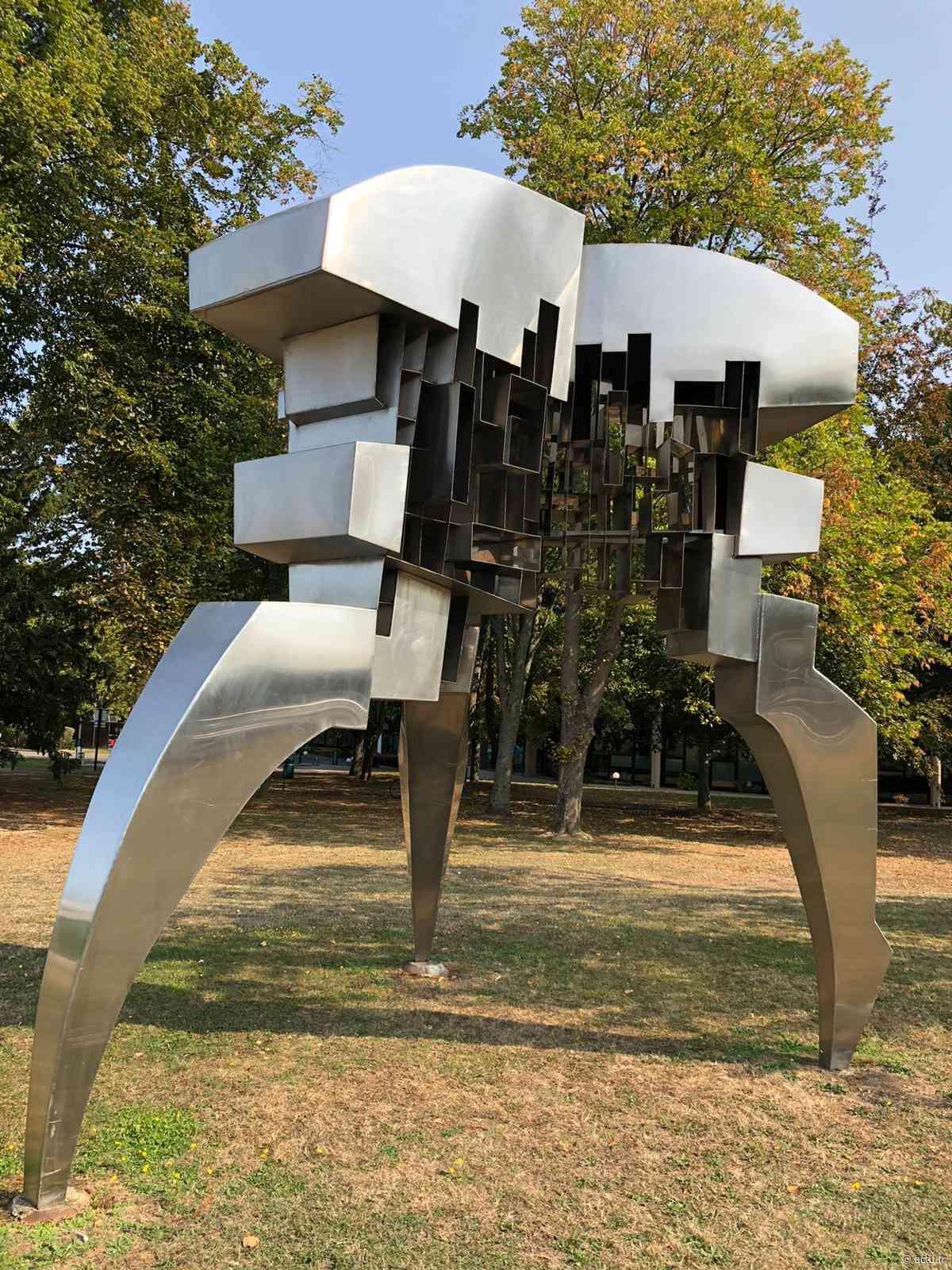 Yvelines. Guyancourt/Montigny-le-Bretonneux : trois sculptures remises en état - actu.fr