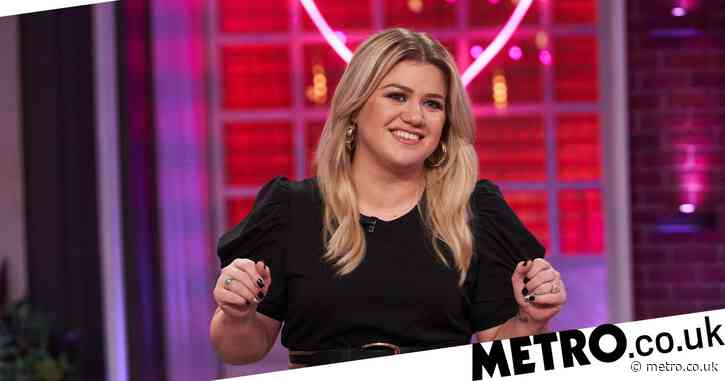 Why Kelly Clarkson should replace Ellen as the queen of talkshows