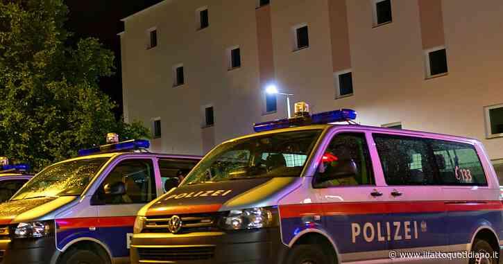 Germania, sospesi 29 agenti di polizia: inneggiavano all'estrema destra in chat