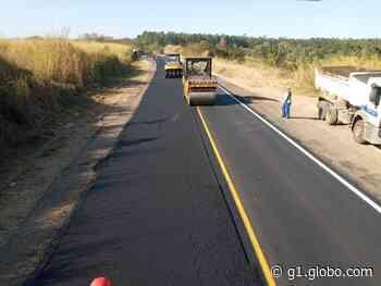 Faixa de rodovia de Charqueada é bloqueada até domingo para pavimentação - G1