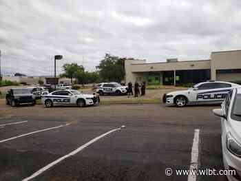 Man harasses employees at Ridgeland bank, runs from police after being tasered - WLBT