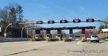 Two incidents jam Route 80 toll plaza - New Jersey Herald