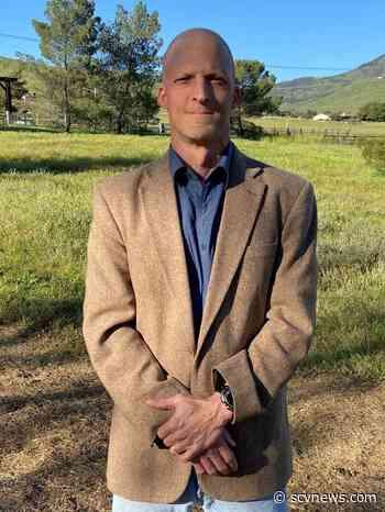 Saugus High's Jim Klipfel Named Hart District Teacher of the Year - SCVNEWS.com
