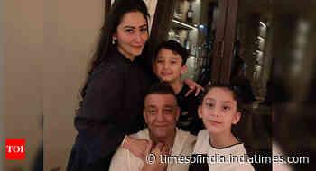 Sanjay Dutt-Maanayata reunite with kids