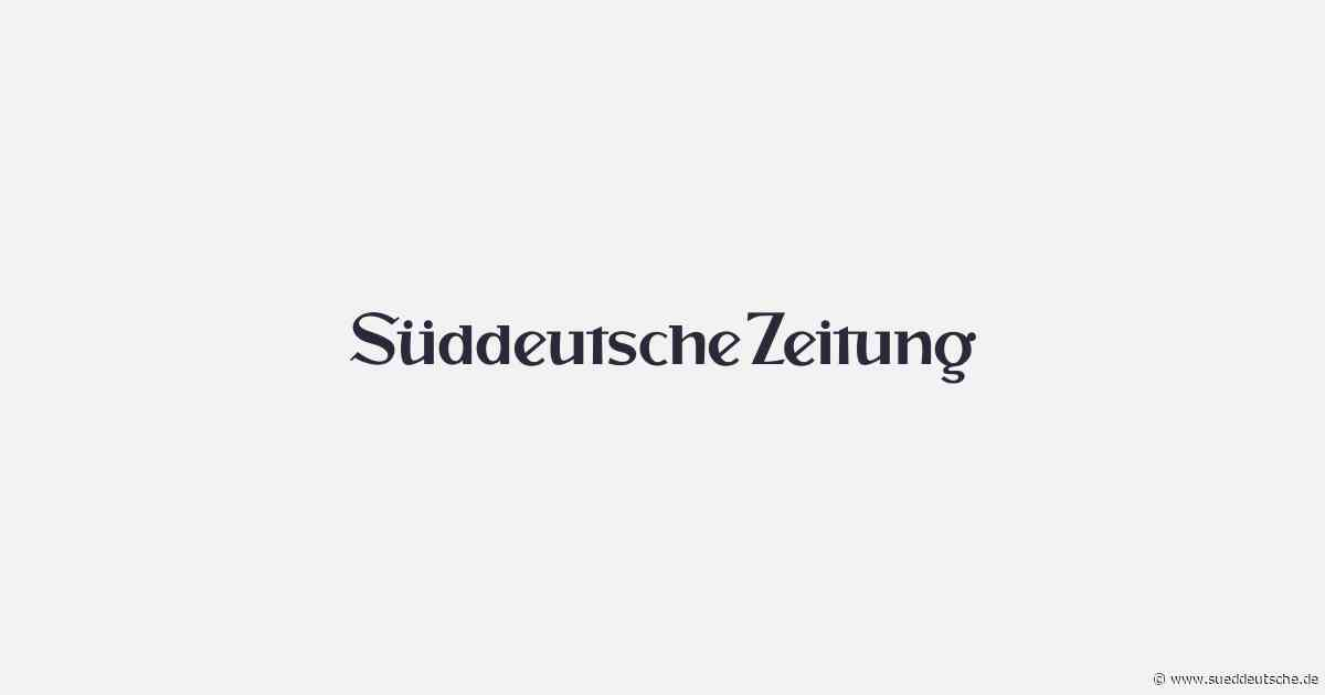 Motorroller-Fahrer stürzt in Straßengraben - Süddeutsche Zeitung