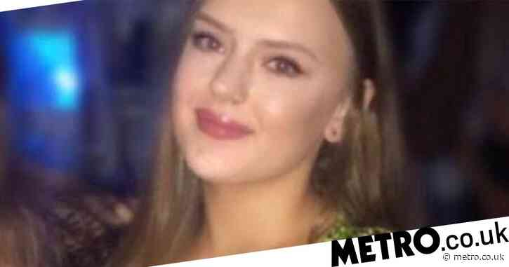 Student crowdfunds for breast reduction saying 34J cleavage is 'ruining her life'
