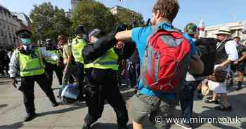 Police clash with anti-vax and anti-lockdown conspiracy theorists in London