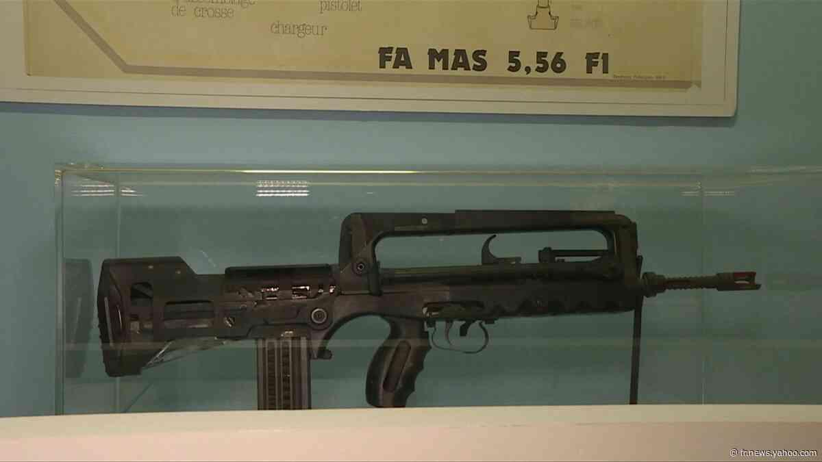 Fascination ou répulsion ? Les armes à feu s'exposent à Saint-Etienne - Yahoo Actualités
