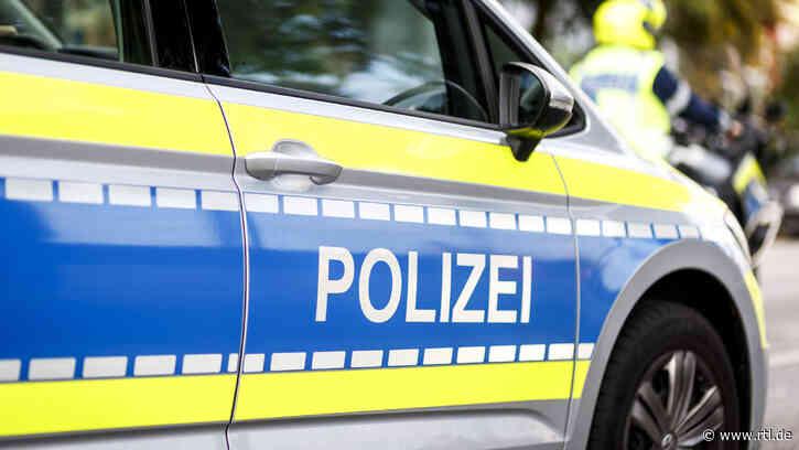 Chaosfahrt durch Alfeld: Teenager (17) heizt mit Papas Auto durch Stadt – Schüler können sich knapp retten - RTL Online
