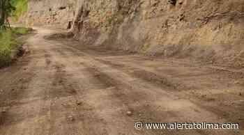 Avanza pavimentación de la vía al municipio de Oporapa Huila - Alerta Tolima