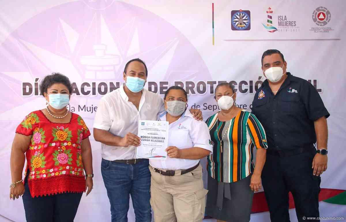 Se conmemora en Isla Mujeres el Día Nacional de Protección Civil - Cancún Mio