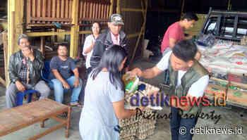 Wakil Rakyat Yang Merakyat,Agra Bagikan Sembako Kepada Buruh Tani - DetikNews.ID