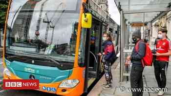Covid: Jobs threat at Cardiff Bus after passenger slump - BBC News