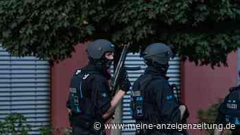 Nürnberg: Schuss in der Innenstadt gefallen? Polizei bricht bei Hausdurchsuchung mehrere Türen auf
