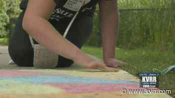 The Arts Partnership brings chalk art to Red River Zoo visitors - KVRR