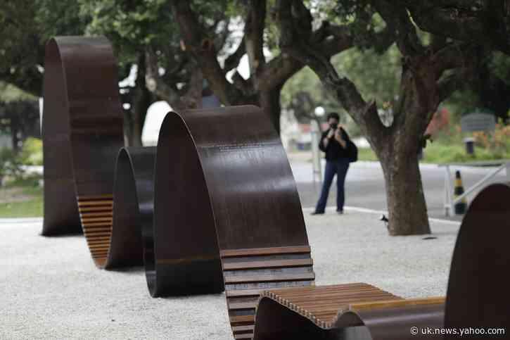 Brazil: Cemetery monument commemorates COVID-19 victims