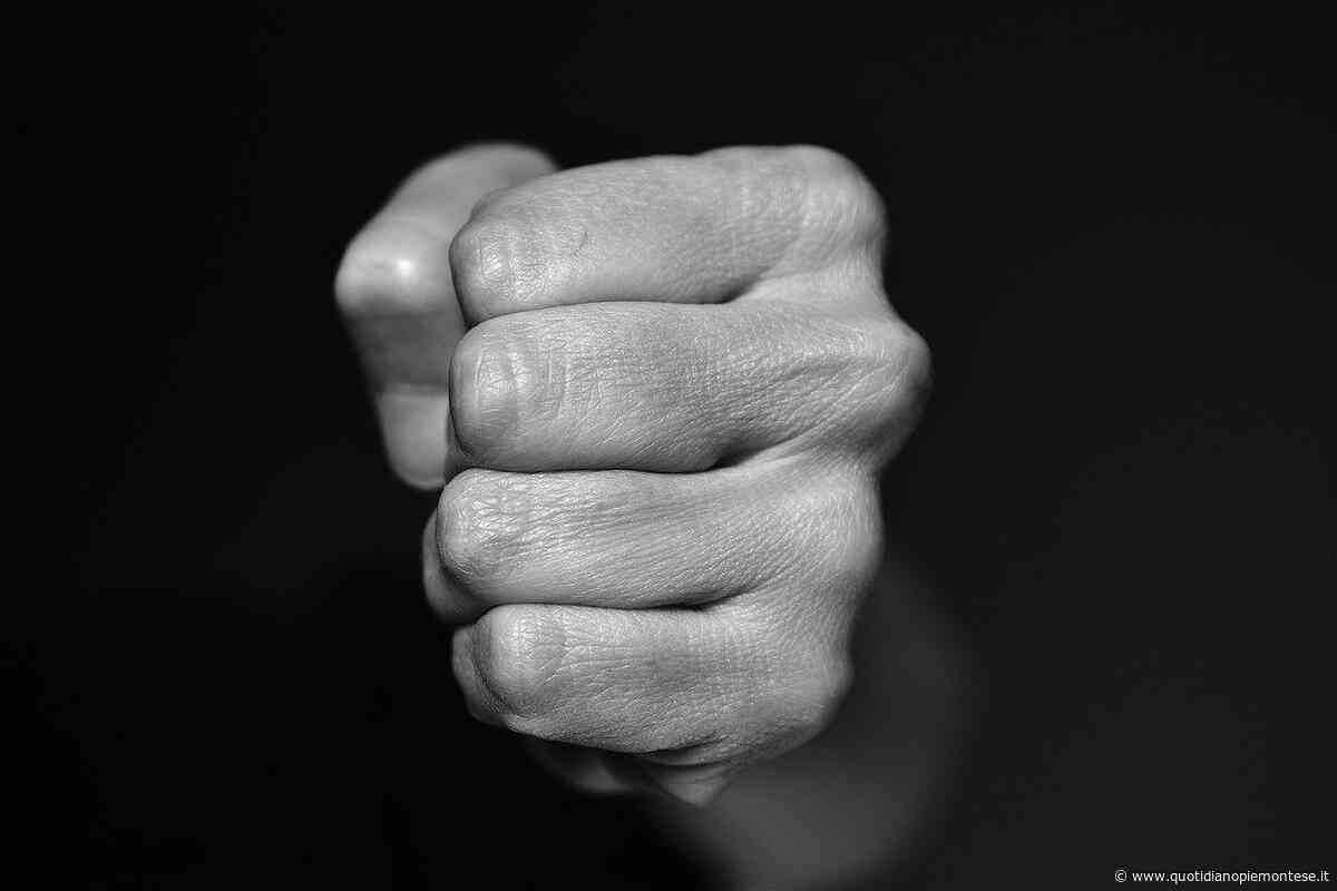 Nichelino, picchia la compagna: arrestato per maltrattamenti un 39enne - Quotidiano Piemontese