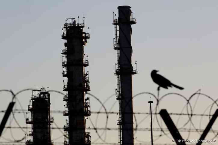 Oil refiners worldwide struggle with weak demand, inventory glut