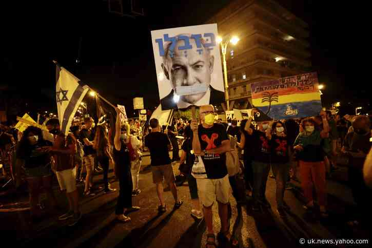 Thousands protest Netanyahu; many ignore Israeli virus rules