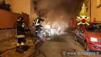 Due auto in fiamme nella notte, si indaga - Ottopagine