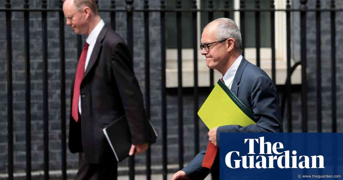 UK at 'critical point' over Covid-19, top scientists to tell public