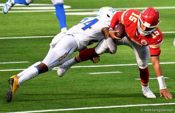 Patrick Mahomes' late scrambles too much for Joey Bosa, Chargers