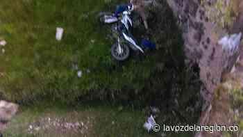 Muere motociclista al caer accidentalmente a una quebrada en Nátaga - lavozdelaregion.co