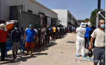 Lampedusa, 79 migranti trasferiti dall'hotspot a Porto Empedocle - ilSicilia.it
