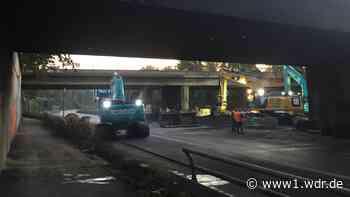 A40-Sperrung nach Lkw-Brand: Abriss der Eisenbahnbrücke hat begonnen