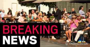Boris Johnson 'to announce 10pm curfew on pubs across England'