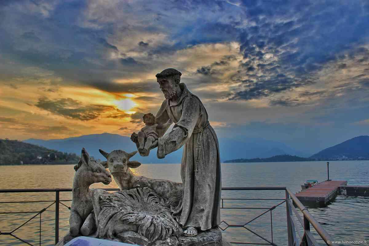 Il tramonto sul lungolago a Laveno Mombello, la foto è di Luisa Finazzi - Luino Notizie