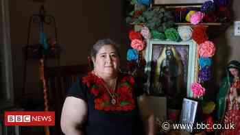 Coronavirus economy: The 'banker ladies' saving friends from debt - BBC News