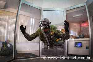 Defesa - Preparação de militares para salto em queda livre utiliza túnel de vento - defesanet