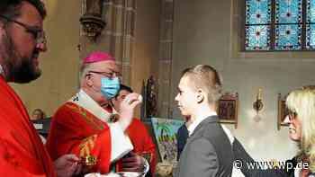 Erzbischof Becker firmt 53 Jugendliche im Kreis Olpe - WP News