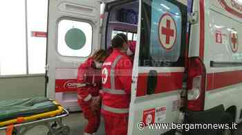 Osio Sotto, cade dal tetto di un garage sul quale stava lavorando: grave 54enne - Bergamo News - BergamoNews.it