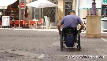 Les pavés du centre-ville de Foix sont un calvaire pour les personnes à mobilité réduite - ladepeche.fr
