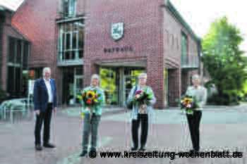 Für ihre Verdienste am Gemeinwesen ehrte der Flecken Harsefeld drei Frauen: Eine Auszeichnung fürs Ehrenamt - Harsefeld - Kreiszeitung Wochenblatt